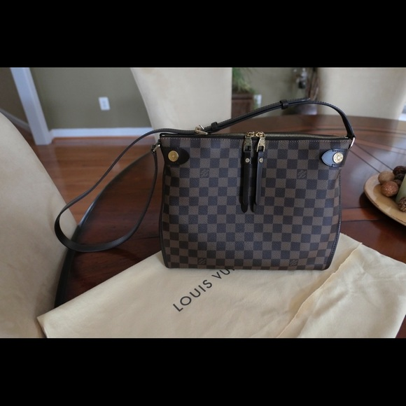 09b7bd5cf5e9 Louis Vuitton Handbags - Louis Vuitton Duomo